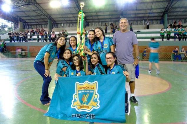 Determinação e disputa por pênaltis tornaram emocionantes as finais do Futsal nos Jogos Internos - CMDI