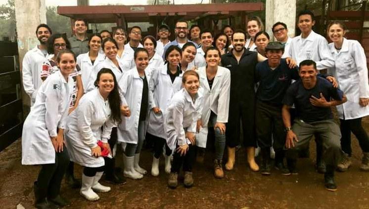 Vacinação contra Febre Aftosa no IFAM Campus Manaus Zona Leste