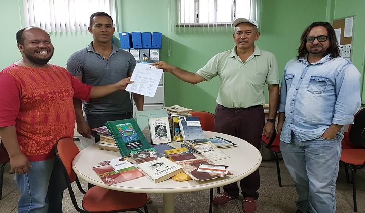 BIBLIOTECA DO IFAM CAMPUS COARI RECEBE DOAÇÕES E RECONHECIMENTO DA COMUNIDADE EXTERNA