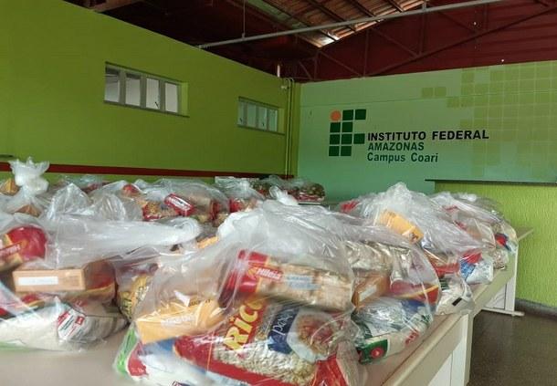 Doações de cestas básicas do IFAM campus Coari beneficiam discentes em vulnerabilidade social