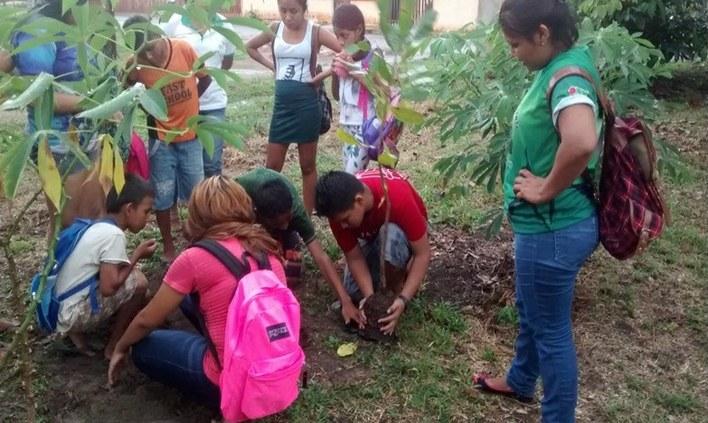 Alunas do campus Maués realizaram atividades em ONG
