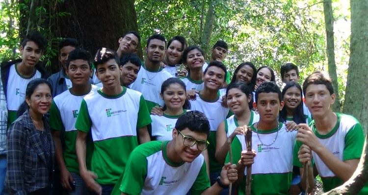 IFAM CAMPUS PARINTINS REALIZA AULA PRÁTICA DE BIOLOGIA
