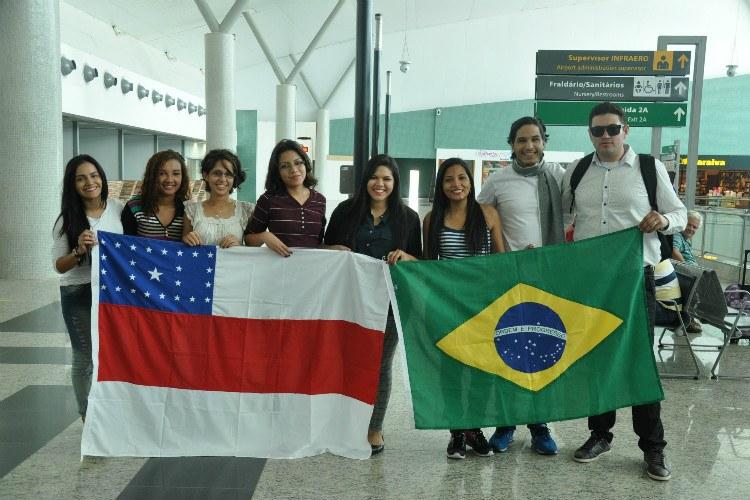 comitiva alunos embarque Portugal
