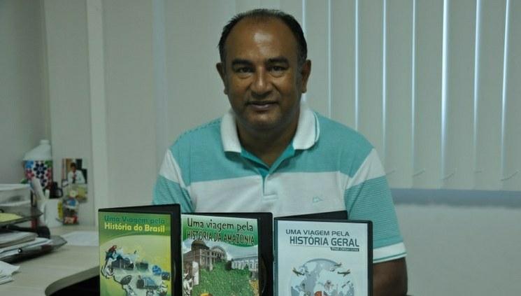 Professor do CMDI lança CD-ROM sobre História Geral
