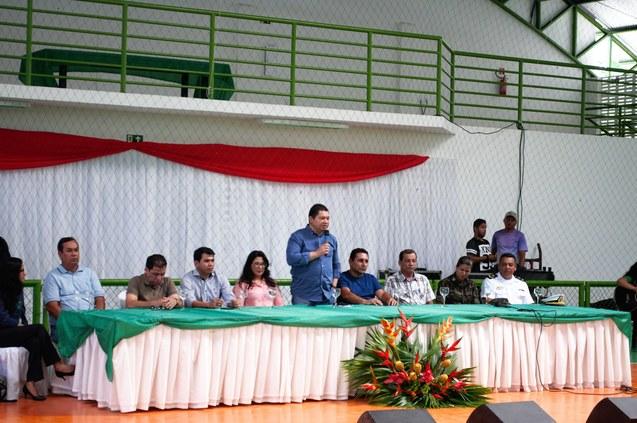 Tabatinga inaugura ginásio e recebe Reitoria Itinerante